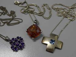 550.30: Jewelry, chains / pendants / necklaces