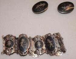 550.90: Parures de bijoux